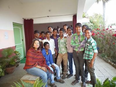 VISITAS EN EL CENTRO EDUCATIVO AKSHAY