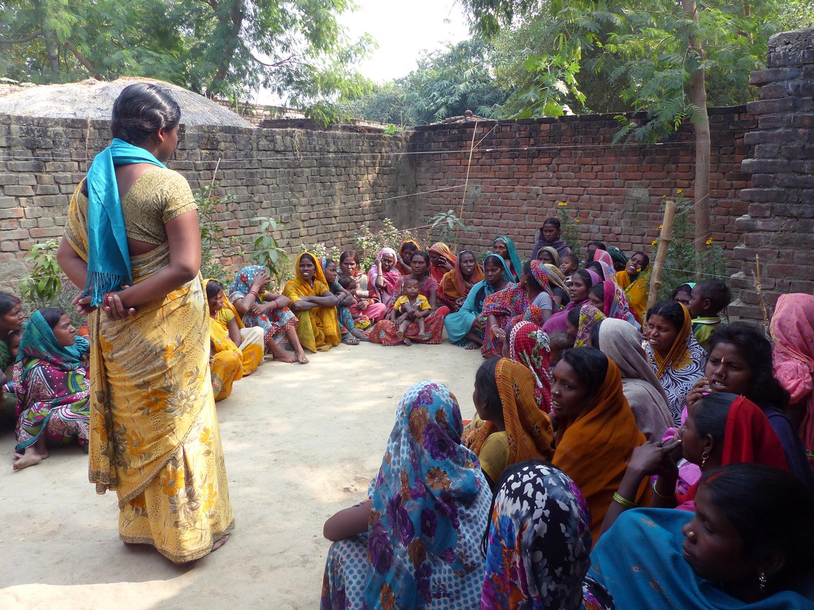 charlas mujeres empoderamiento